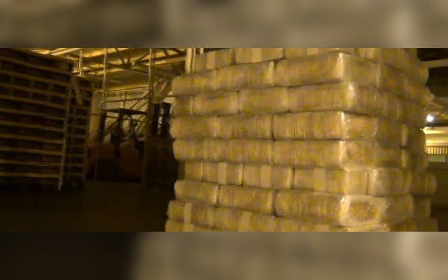 Pareigūnai smogė narkotikų prekeiviams: sulaikyta daugiau kaip 23 mln. litų vertės hašišo siuntą vežusi grupuotė