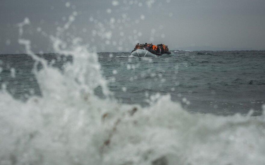 Viduržemio jūroje rasta negyva migrantė, dar apie 300 atvykėlių išgelbėti