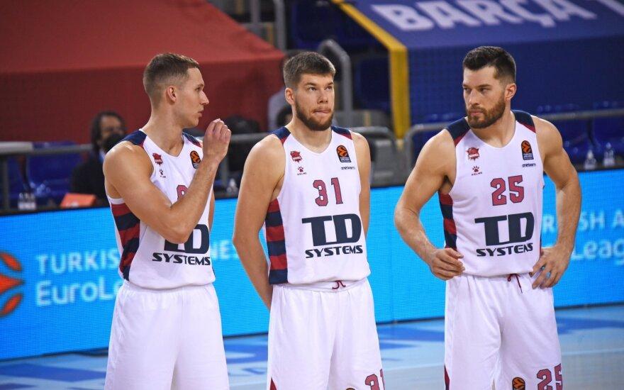 (iš kairės) Tadas Sedekerskis, Rokas Giedraitis, Alecas Petersas