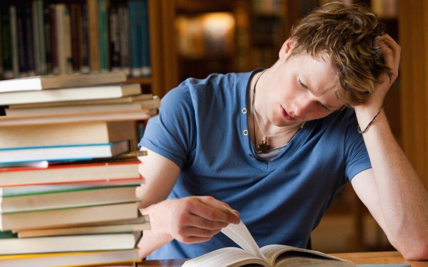 Mokiniams prieš egzaminus didesnį stresą dažnai sukelia patys tėvai