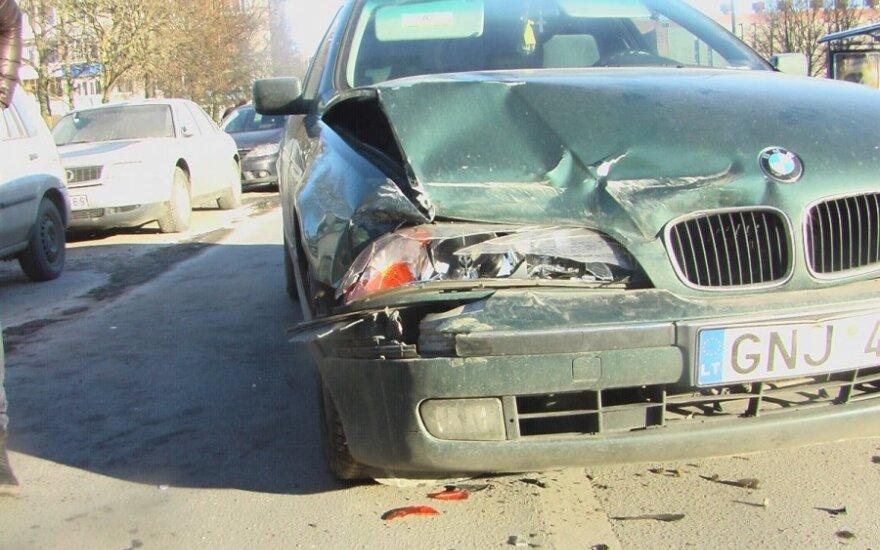 Girtos vairuotojos avarija Klaipėdoje, Debreceno g.