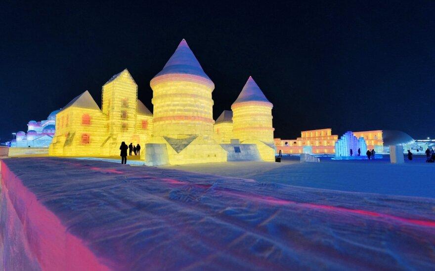 Kinijoje pastatyta Trakų pilies kopija iš ledo