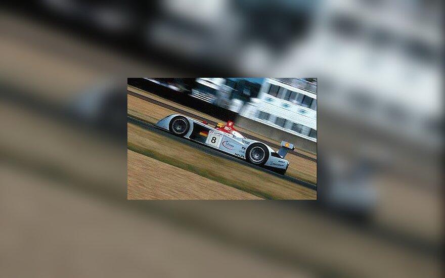 """""""Audi R8"""""""