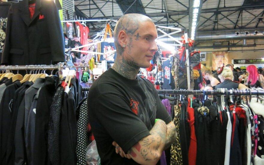 Tatuiruotės: slėpynėms artėja galas