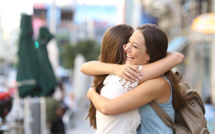 Astrologės Lolitos prognozė rugsėjo 15 d.: draugystės diena