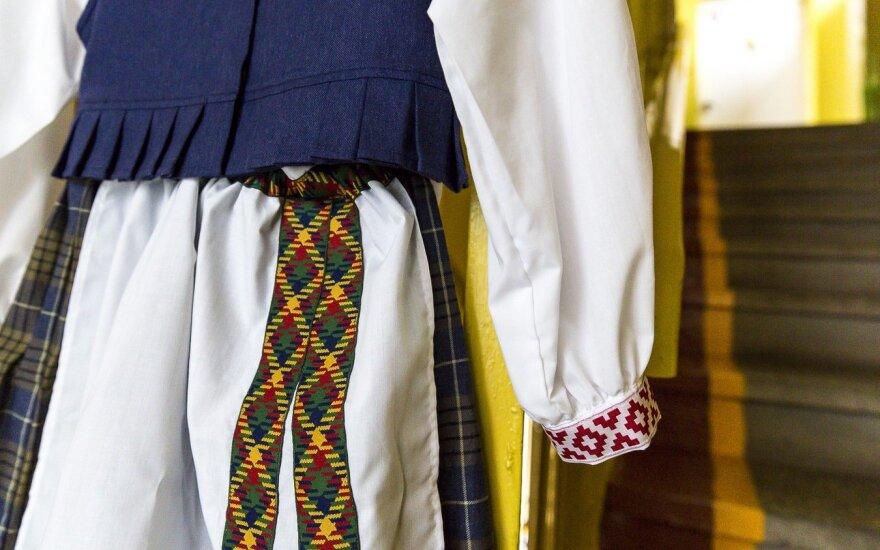 J. Statkevičiaus tautiniai kostiumai