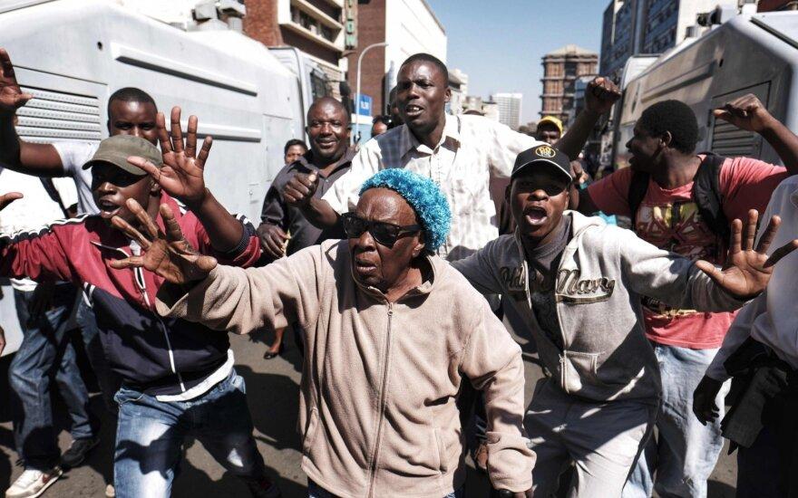 Rinkimų komisija: ZANU-PF partija gavo daugiausia vietų Zimbabvės parlamente