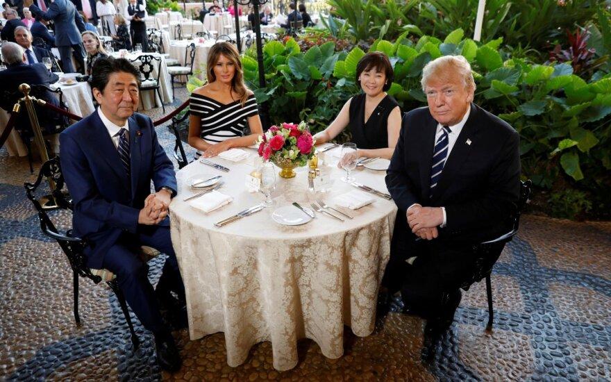 Shinzo Abe, Donaldas Trumpas