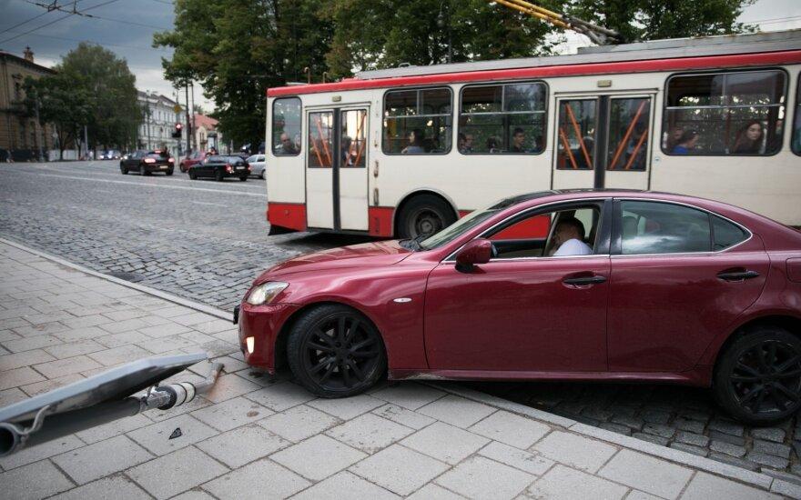 Ekspertas: nuo liepos mėnesio įsigaliojantys pakeitimai dėl vairuotojo pažymėjimo gali sukelti didelių nemalonumų