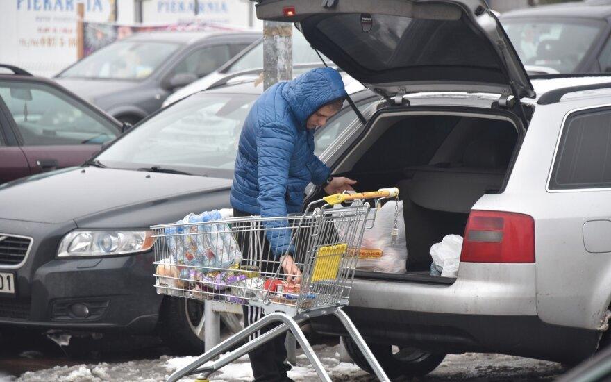 Suskaičiuota, kiek per metus Lietuvoje pakilo kainos