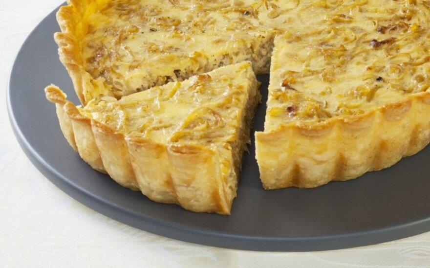 Šveicariškas svogūnų pyragas su sūriu