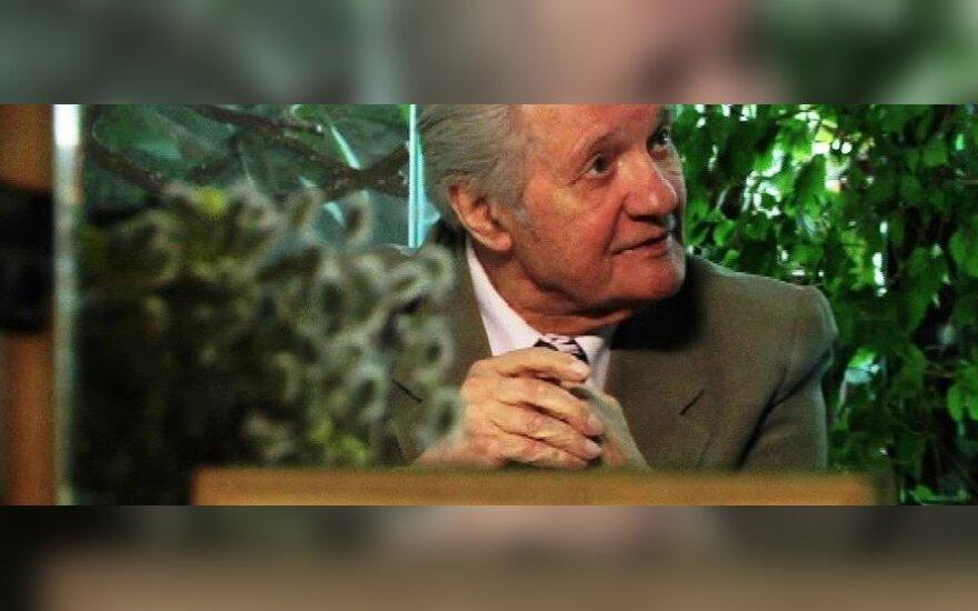 Mirė gamtininkas R. Kazlauskas