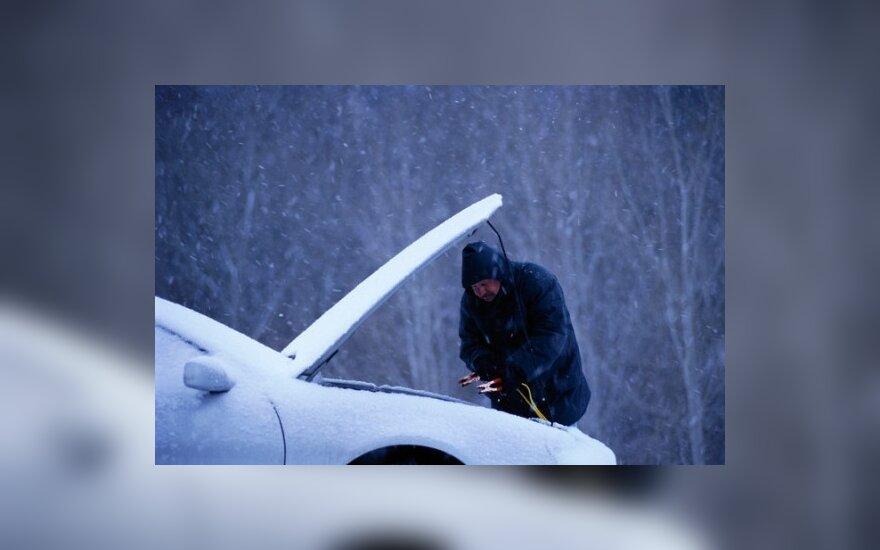 """""""Autopiloto"""" patarimai: akumuliatorius – jautriausia automobilio vieta žiemą"""