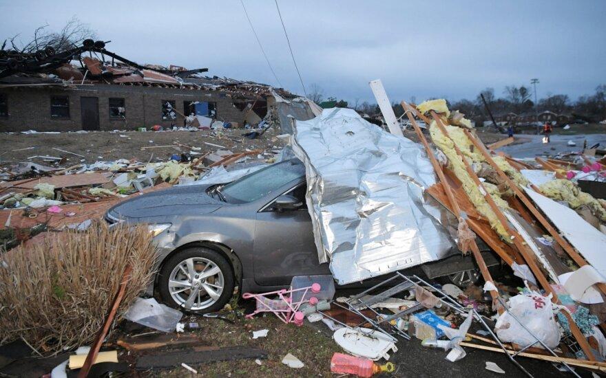 Tenesyje tornadų aukų padaugėjo iki 19