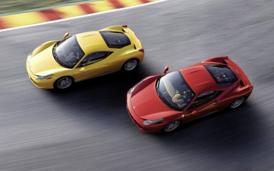 """Verta žinoti: 10 faktų apie itališkus superautomobilius """"Ferrari"""" ir """"Lamborghini"""""""