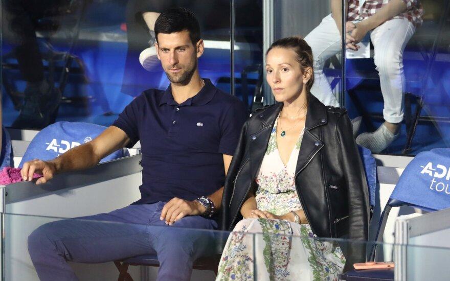 Koronaviruso židinys teniso turnyre: COVID-19 nustatytas ir pirmai pasaulio raketei Džokovičiui su žmona