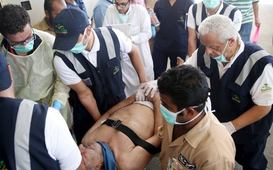Iranas padvigubino savo piliečių, žuvusių spūstyje per hadžą, skaičių