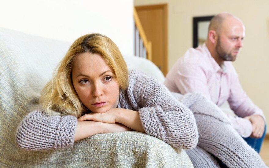 Žmona palūžusi: vyro priklausomybė nuo pornografijos išskyrė šeimą