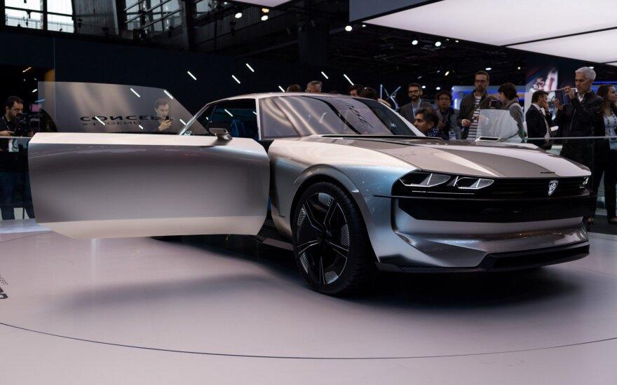"""""""Peugeot"""" Paryžiaus automobilių parodoje pristatė """"e-Legend"""" koncepciją"""