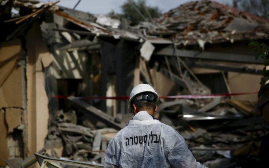 Iš Gazos Ruožo paleista raketa vidurio Izraelyje sužeidė 7 žmones