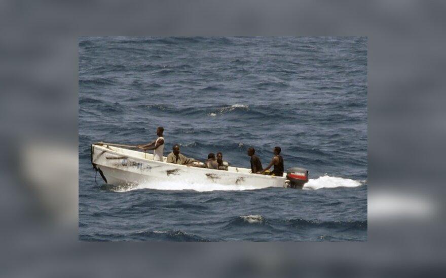 Somalio piratai pranešė už išpirką paleidę vokiečių laivą