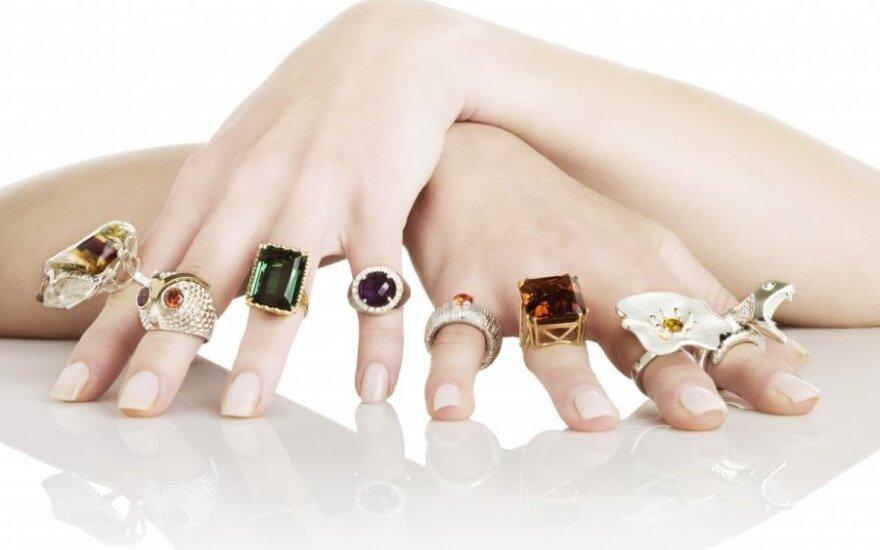 Ekstrasensai pataria: kam negalima nešioti aukso ar sidabro papuošalų?