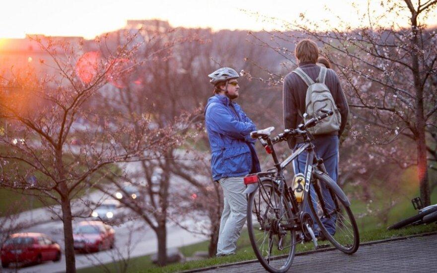 Panika dėl naujų taisyklių: policininkai kol kas dviratininkų nebaus