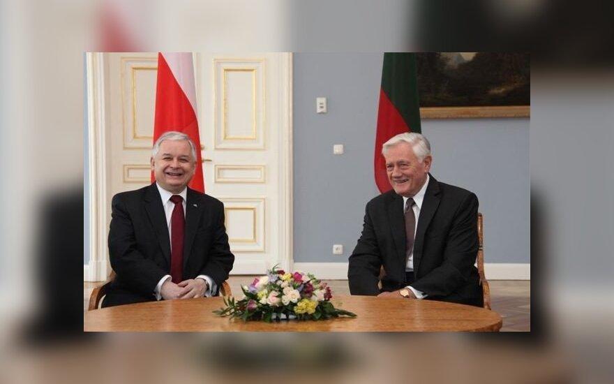 Lech Kaczyński, Valdas Adamkus