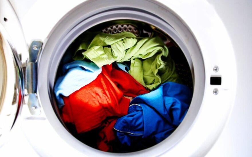 Ar reikia skalbti ką tik įsigytus drabužius? Mokslininkai turi aiškų atsakymą