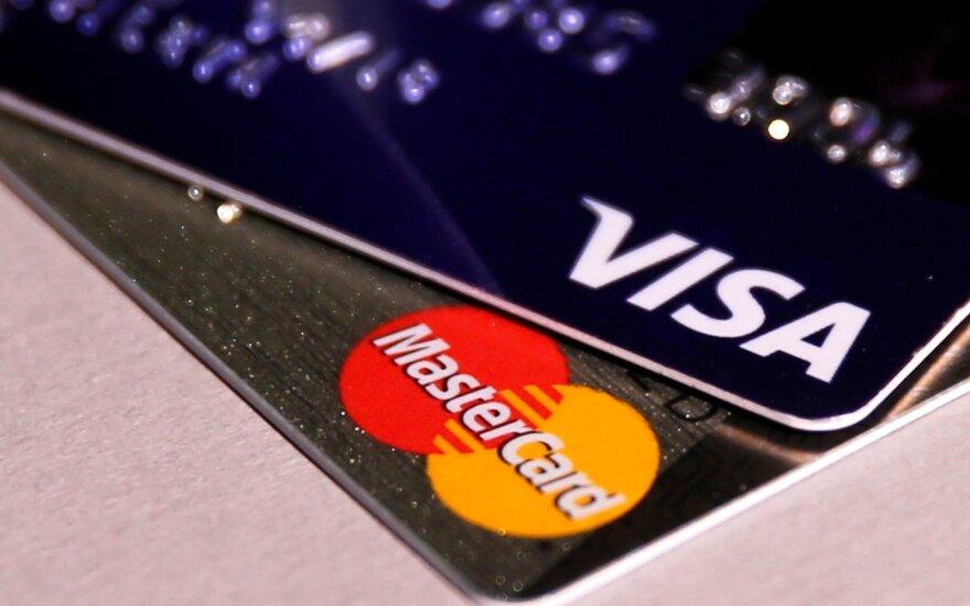 Emigranto spąstuose – trys Lietuvos bankai: atsiskaitinėjo su tuščiomis ir net užblokuotomis kortelėmis