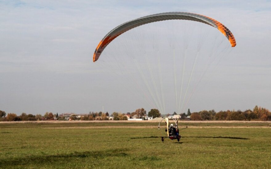 Lithuanian paraglider pilot dies during accident in Poland