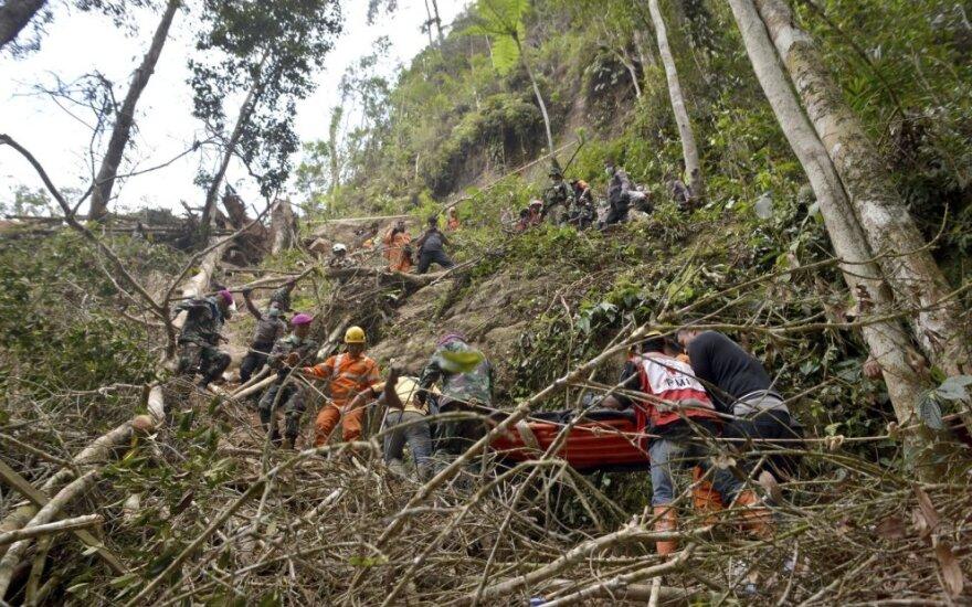 Indonezijoje per griūtį neteisėtoje aukso kasykloje žuvusių žmonių skaičius padidėjo iki 8