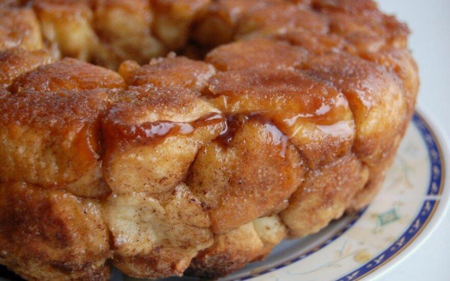 Mielinių bandelių pyragas - beždžionių duona