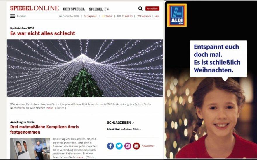 """Vilniaus Kalėdų eglė """"Der Spiegel"""" viršuje"""