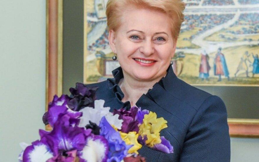 D. Grybauskaitę paslaptingas gerbėjas pradžiugino irisais