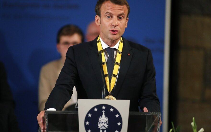 Nauja įtampa Europoje: Macronas su naujuoju Italijos premjeru kalbės apie migrantus