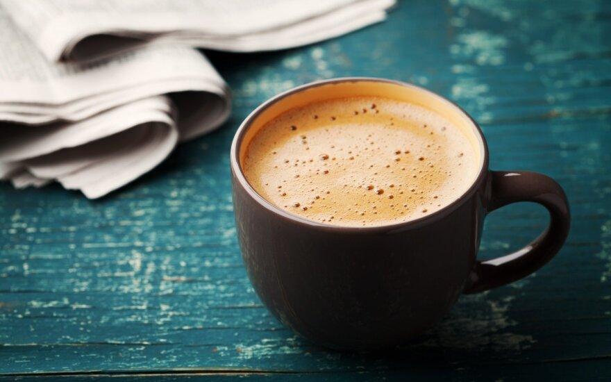 Kodėl puodelis rytinės kavos mus gena į tualetą?