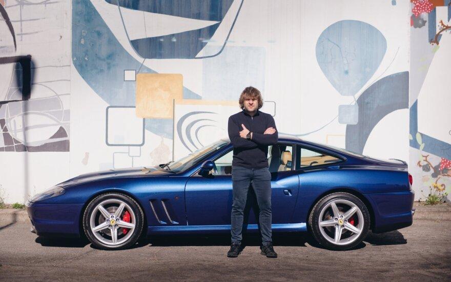 """Vanagas išmėgino filmo """"Bad Boys"""" automobilį – vieną iš 2056 pagamintų pasaulyje"""