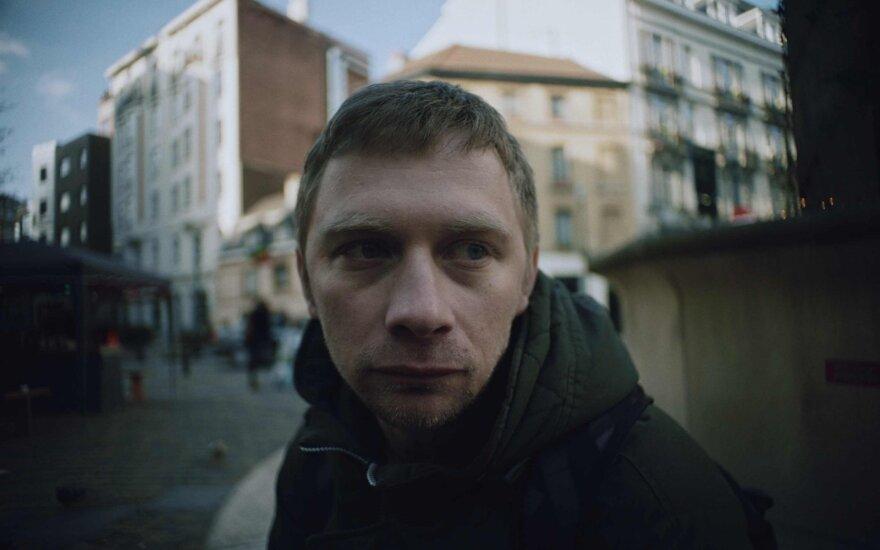 Kadras iš filmo Olegas. Vaidina Valentinas Novopolskis