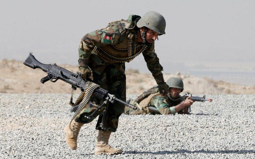 Per susišaudymą prie Afganistano ir Pakistano sienos žuvo mažiausiai du žmonės