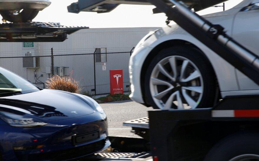 Suskaičiavo, kiek kasmet pasaulyje susidarys senų elektromobilių baterijų