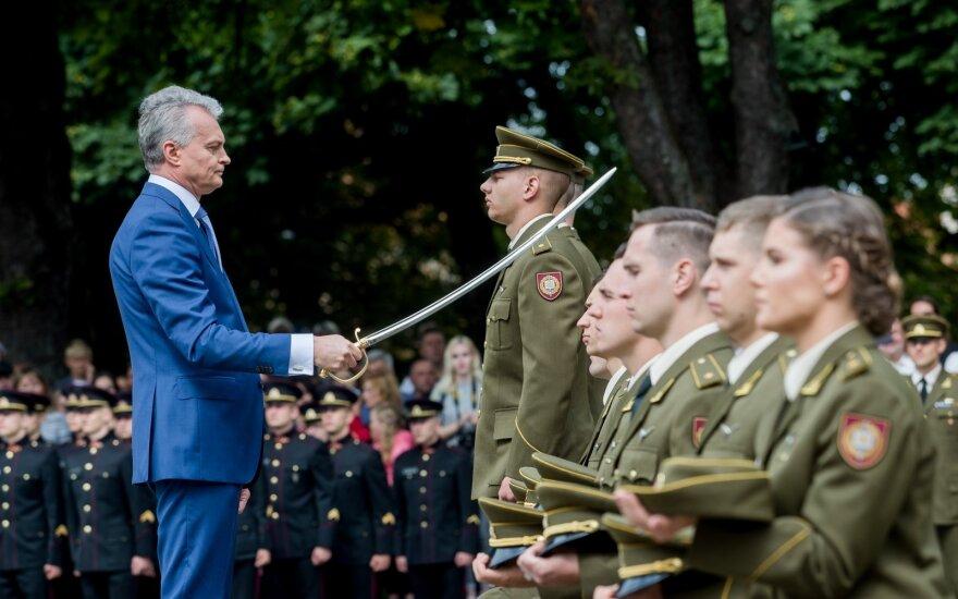 Pusšimčiui Karo akademijos absolventų suteiktas leitenanto laipsnis