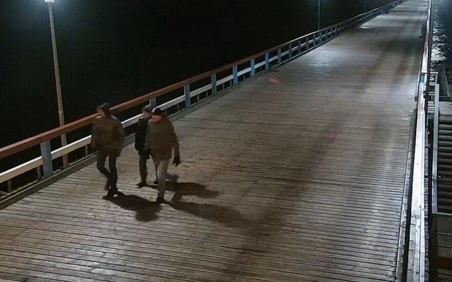 Policija ieško Palangoje skulptūrą sugadinusių asmenų