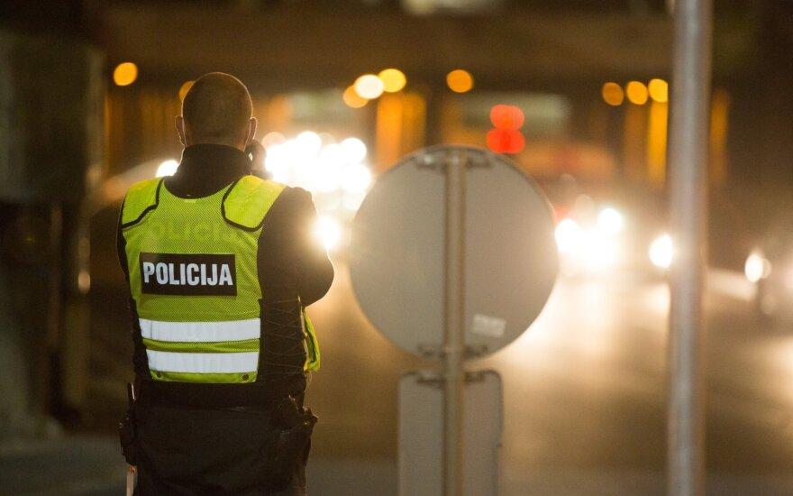 Melagingai policijos pareigūną sumušimu apkaltinusiam Kretingos r. gyventojui teismas skyrė baudą