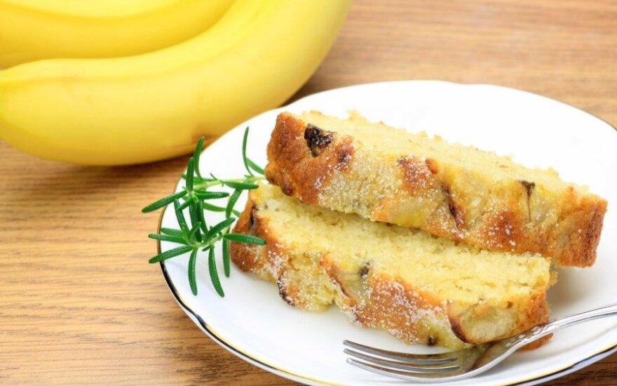 Bananų pyragas su kondensuotu pienu