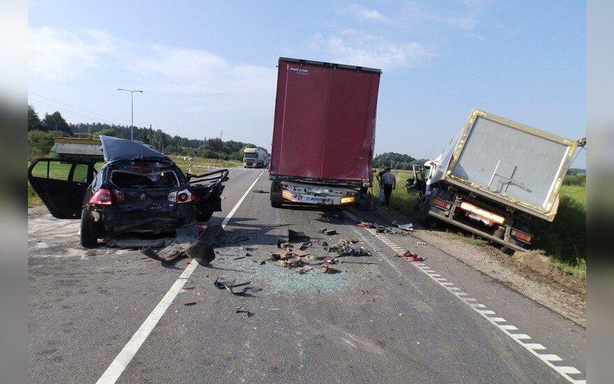 """Į kraupią avariją """"Via Baltica"""" kelyje patekusi moteris neišgyveno"""