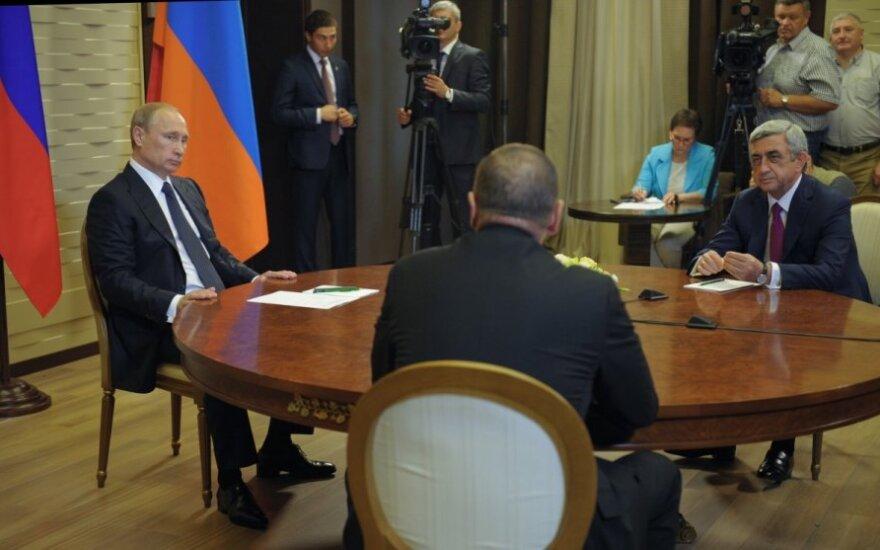 Kalnų Karabacho konfliktas: V. Putinas susitiko su lyderiais