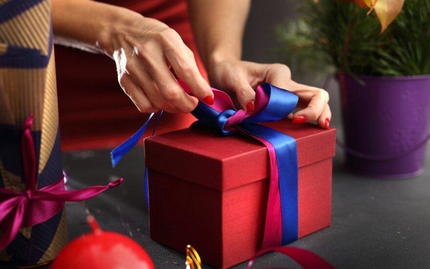 Kodėl prie dovanos dera pridėti pirkimo čekį