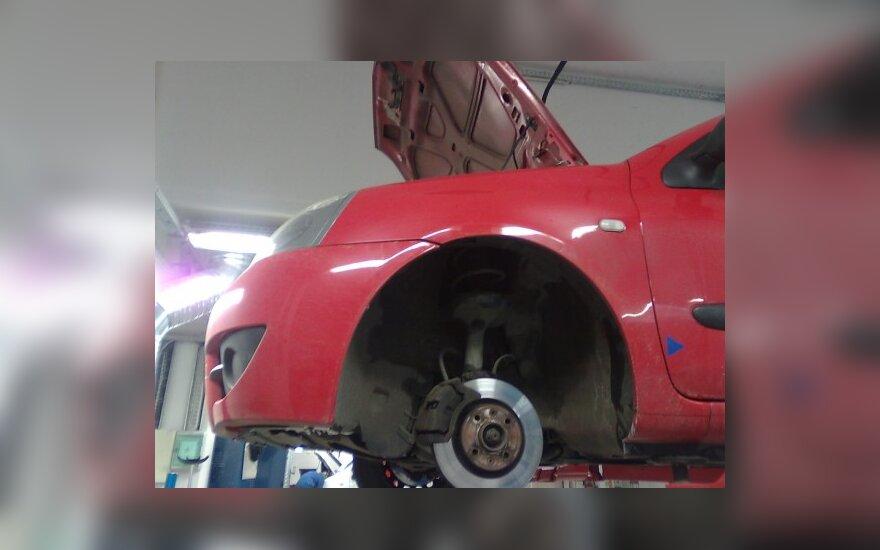 Remontuojamas automobilis