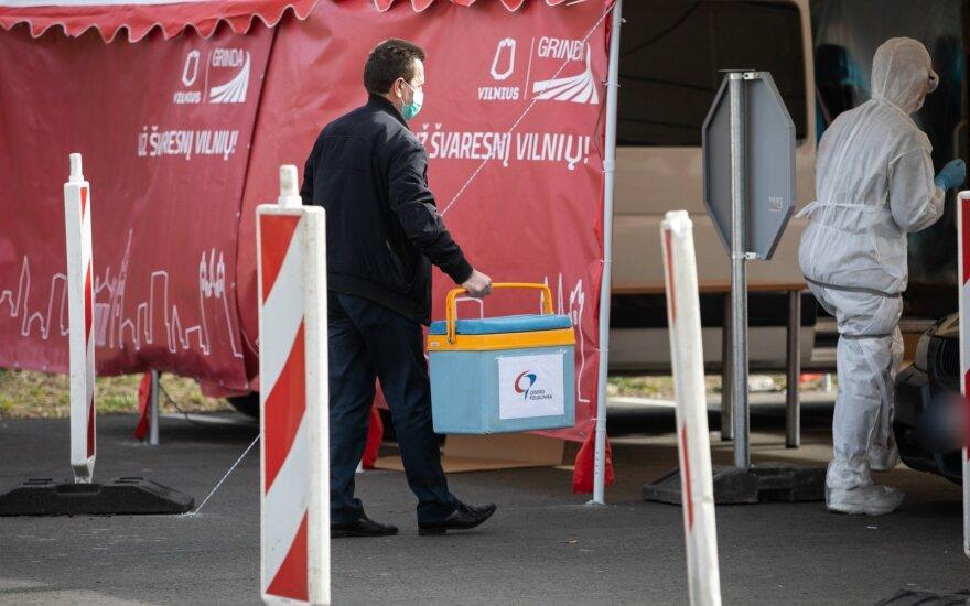 SAM atstovė: dvi apie 50 tūkst. reagentų siuntos – pakeliui į Lietuvą